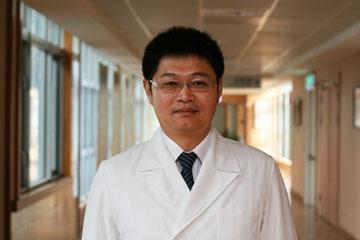 醫師 - 張介明
