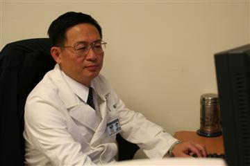 醫師 - 王耀明