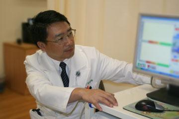 醫師 - 黃慶琮
