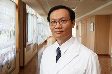 醫師 - 李信賢