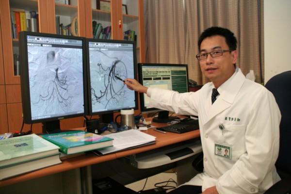 全球成功不到十例罕見腸繫膜動脈剝離腸中風一小時內放置支架重建腸動脈血管生死關救命