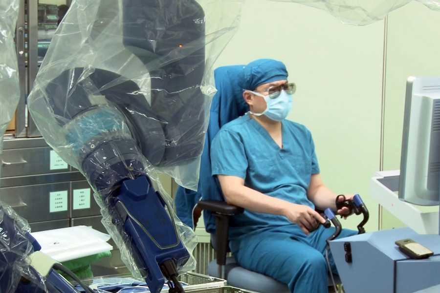 機器手臂啟用 手術精準度再升級!