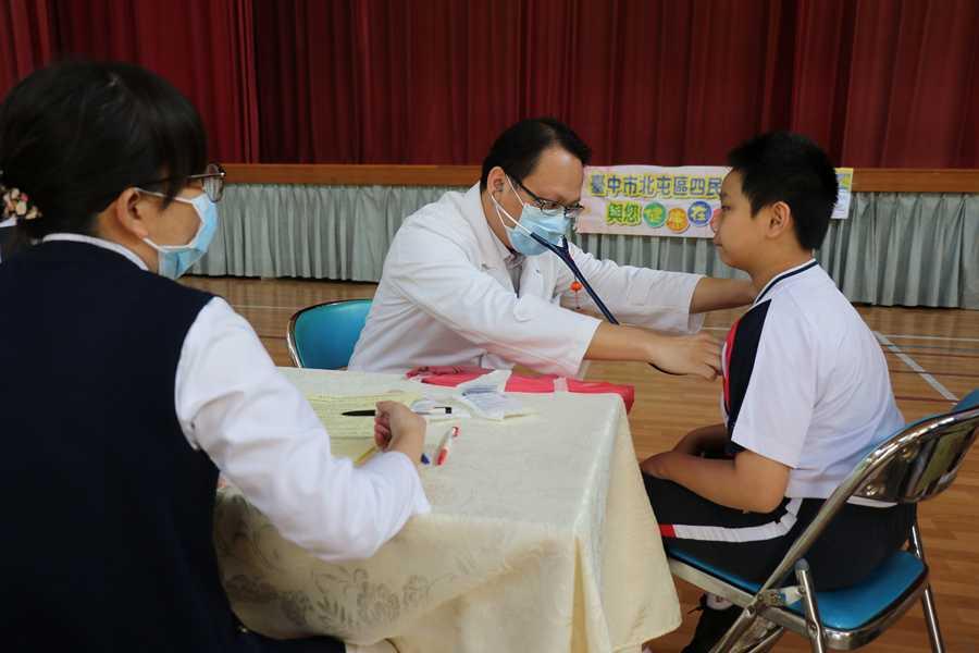 小學流感疫苗接種啟動 臺中慈院人力支援