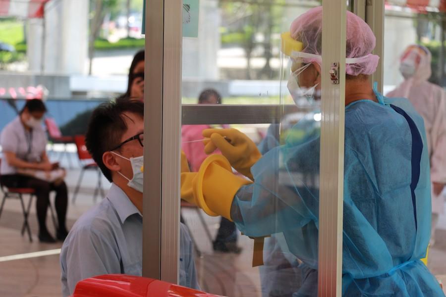 臺中慈濟醫院參與首場企業自費快篩 守護勞工健康